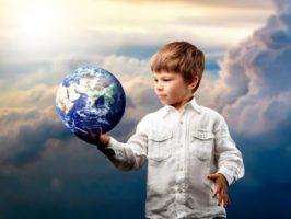 Ориентир — детство. Что спасет демографию?