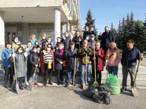 Сотрудники Института стратегических исследований РБ приняли участие в общегородском экологическом субботнике